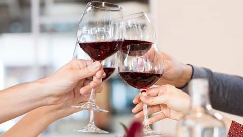cuanto engorda el vino
