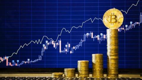 Precio bitcoin 8.000 dólares récord cotización