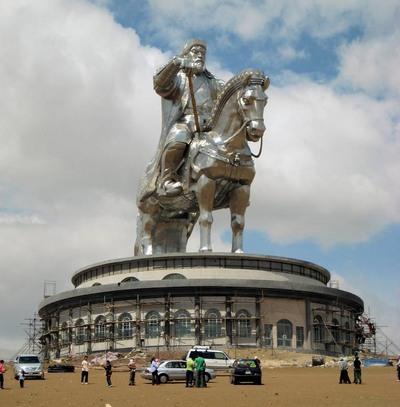 La estatua ecuestre más grande del mundo, Gengis Kan