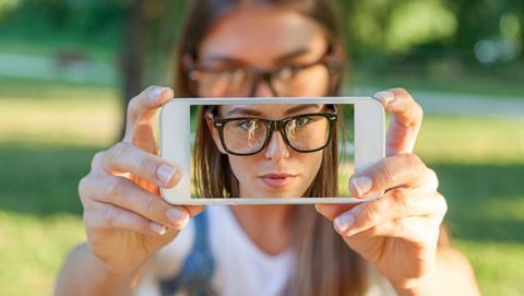 selfie facebook