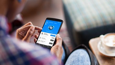 Apple cerca de cerrar la compra de Shazam