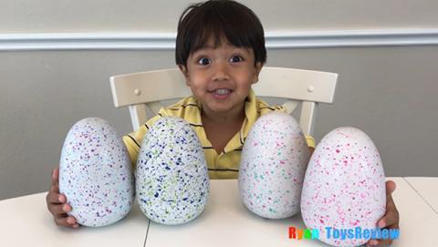 Este niño de seis años gana 11 millones de dólares en YouTube