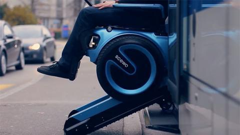 Scewo la silla de ruedas capaz de subir y bajar escaleras for Sillas para subir y bajar escaleras