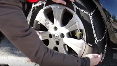 En este vídeo te enseñamos cómo poner las cadenas de nieve para el coche