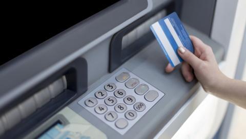 Si usas estos PIN con tu tarjeta de crédito, te la robarán fácilmente