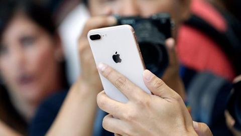 Apple ya permite cambiar baterías del iPhone a precio reducido