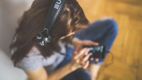 Combate el cansancio con música
