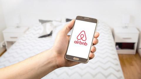 Ya puedes pagar en dos plazos el alquiler de Airbnb.