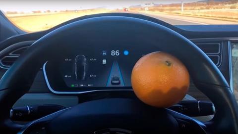 hackear autopilot tesla