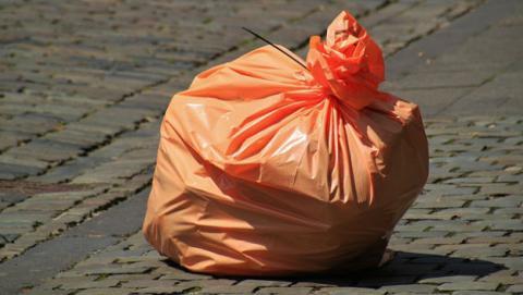 La Unión Europea quiere reciclar todo el plástico.