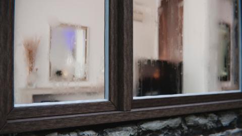 C mo evitar los cristales empa ados en las ventanas de casa life - Como evitar la condensacion en casa ...