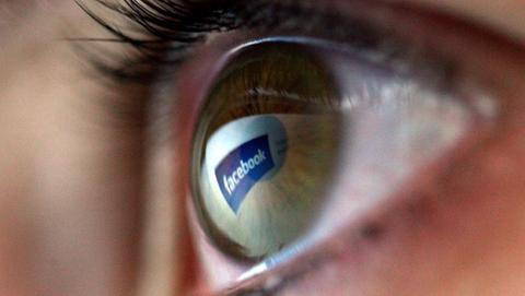 Facebook es tan malo como el tabaco o la comida basura