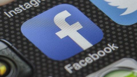 Ya puedes hacer listas en los estados de Facebook.