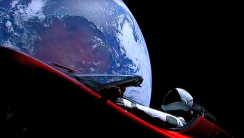 Seguir recorrido Tesla Roadster en el espacio con Starman a bordo