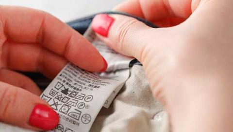 ¿Qué significan los símbolos de lavado de las etiquetas de la ropa?