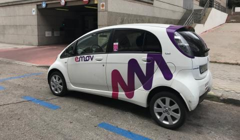 Emov aparcado en madrid