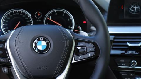 Nos subimos a bordo del BMW Serie 5 para analizar su tecnología