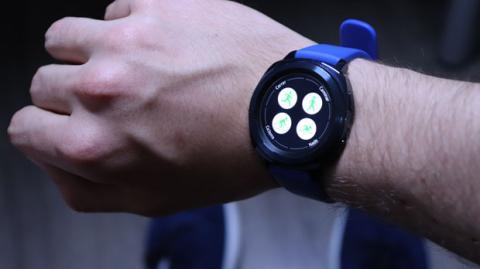 Así es la experiencia de salir a hacer deporte con el reloj inteligente Samsung Gear Sport
