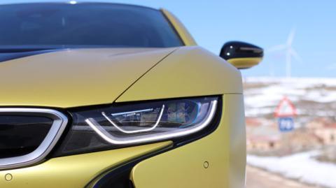 El BMW i8 es un coche híbrido enchufable
