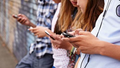 WhatsApp notificará a tus contactos al cambiar de número de móvil