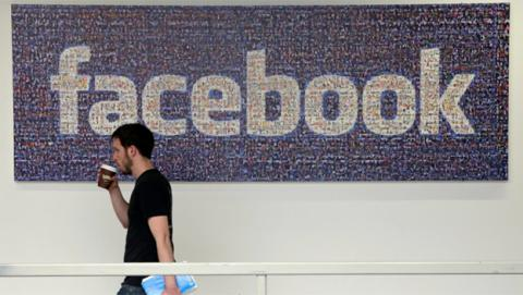 A pesar del escándalo, Facebook no pierde usuarios