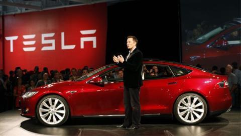 Elon Musk suspende la producción del Tesla Model 3