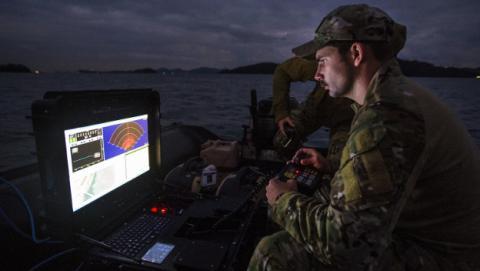 La marina de EEUU, acusada de piratear programas informáticos.