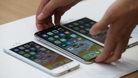 """Analistas creen que el iPhone X """"está muerto"""""""