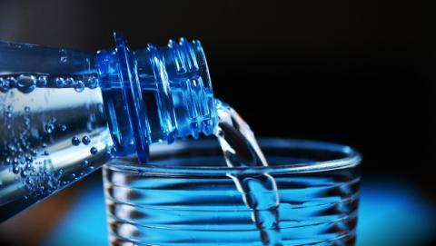 Beneficios para la salud de beber sólo agua.