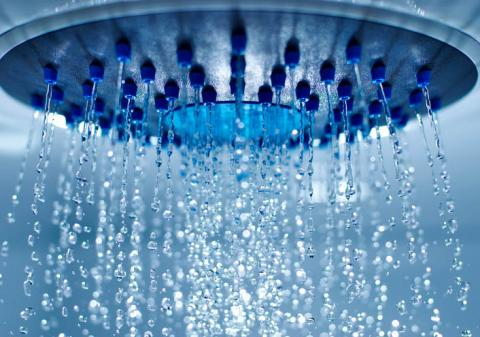 Agua en la ducha