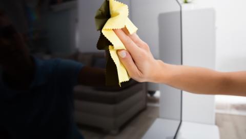como limpiar pantalla television