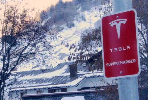 Supercharger V3, así funcionan los nuevos cargadores ultrarrápidos de Tesla