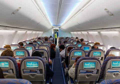Así afecta a tu cuerpo volar en avión