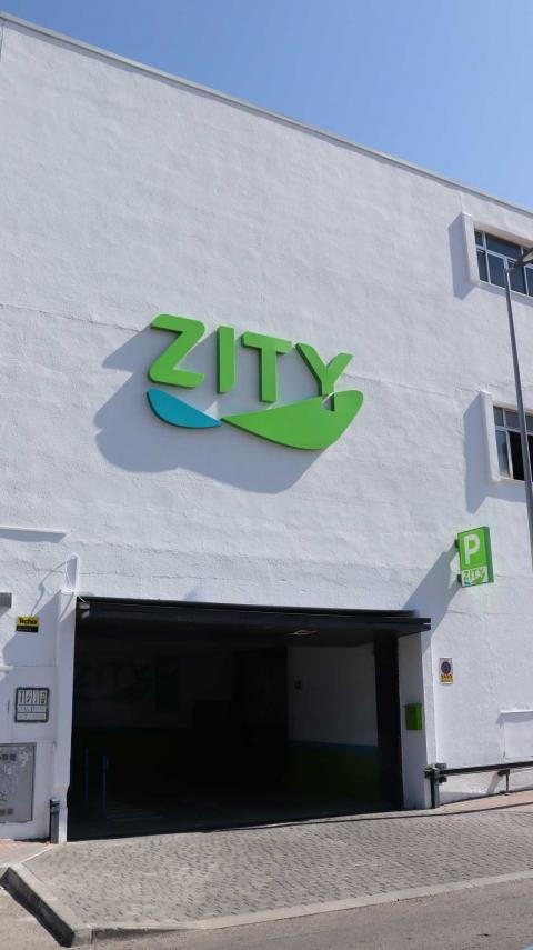 Entrada al garaje de Zity