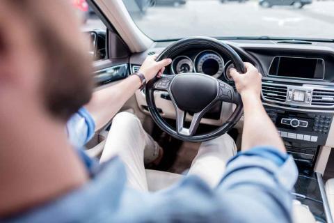 Infracciones que te pueden costar puntos al volante