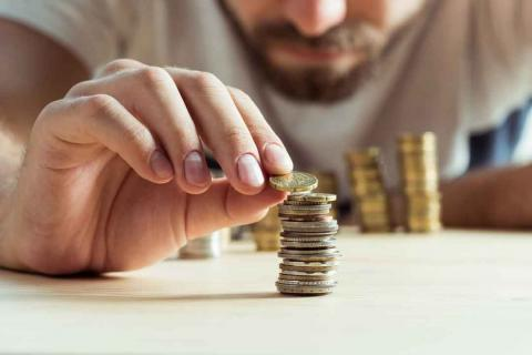 Así deberías invertir tu dinero según tu edad