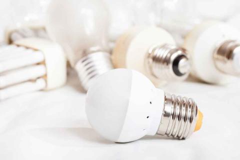 Las bombillas halógenas tienen los días contados en Europa