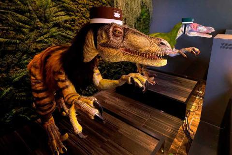 hotel dinosaurio robot