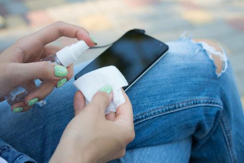 limpiar pantalla móvil