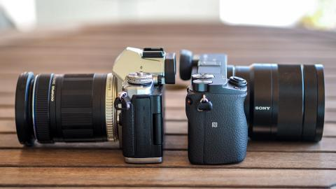 mejor cámara sin espejo para un aficionado: Sony Alpha 6300 vs Olympus OM-D E-M5 II