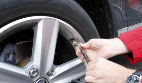 ¿Qué presión deben llevar los neumáticos?