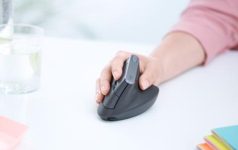 Longitech lanza un nuevo ratón vertical