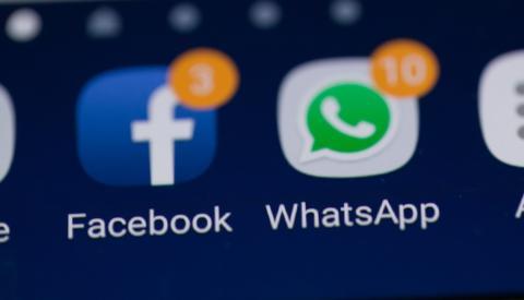 Aplicaciones de WhatsApp y Facebook