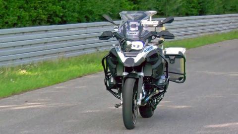 BMW R1200 GS autónoma