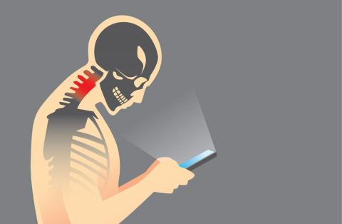Dolor en la espalda por usar el móvil