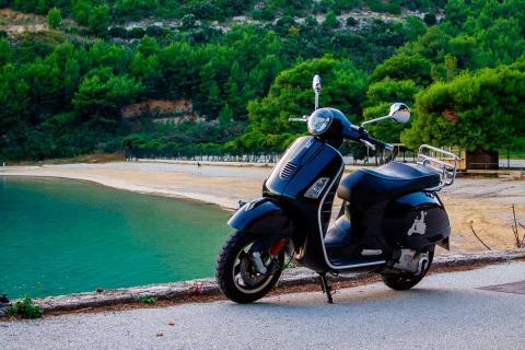 Renting motos