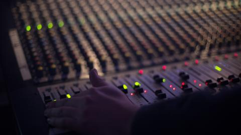 Mesa de mezclas radio
