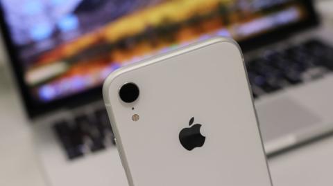 Tres cámaras, pero una oculta ¿la clave de Apple — IPhone XI