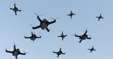 DGT desarrolla enjambres de drones