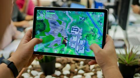 Samsung Galaxy Tab S4 jugando Fortnite